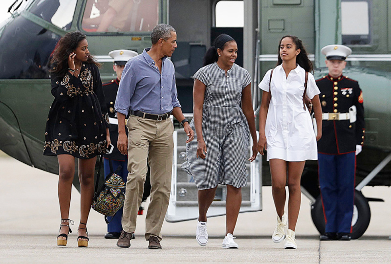photos/obama-family-2.jpg